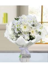 Beyaz Çiçeklerin Güzelliği
