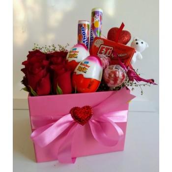 Kutuda Güller ve Çikolatalar