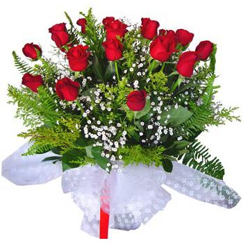 15 Adet Kırmızı Güllerden Buket